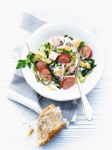 Savoy cabbage stew with sausage