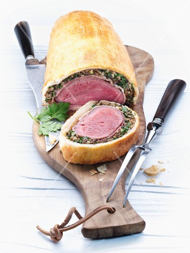 Beef Wellington (Beef fillet in puff pastry)