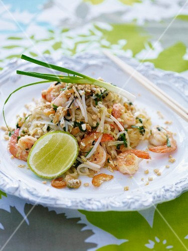 Pad Thai (noodle stir-fry with prawns, Thailand)