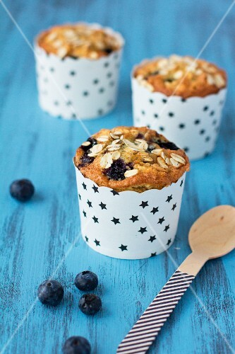 Blueberry muffins with oats