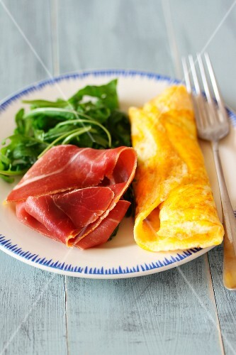 Omelette with Iberico ham and rocket