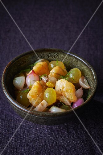 Monk fish with grapes, onions and dill