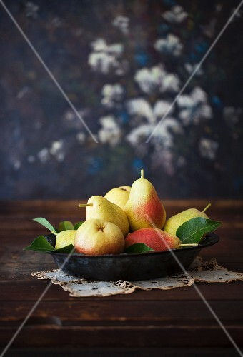 Pears in an Shallow Bowl