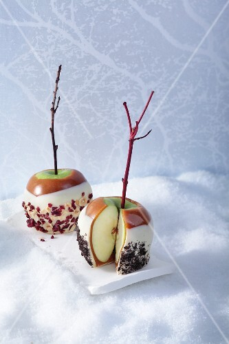 Toffee apples dipped in white chocolate for Christmas
