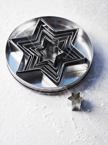 Star-shaped cutters for Christmas