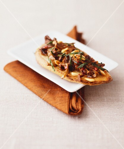 Crostini with sundried tomatoes and anchovies