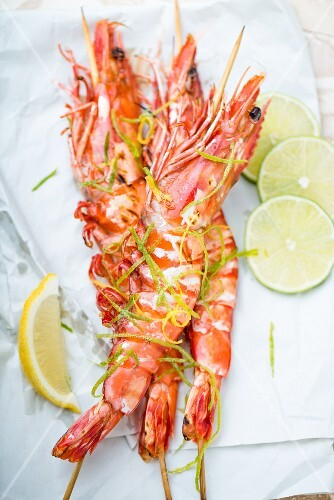 Fried king prawns with lemon and lime