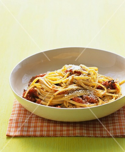 Linguine with grilled tomatoes and parmesan