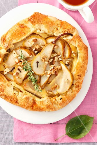 Pear tart with cheese and walnuts