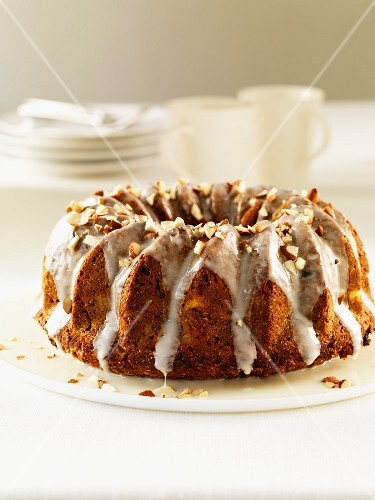 Wolesome Carrot Bran Bruch Cake