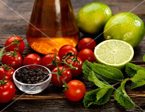 Ingredients for tomato & lime chutney with mint