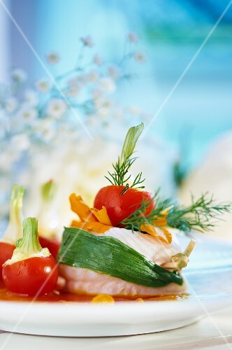 Rolled fillet of fish with tomatoes and dill