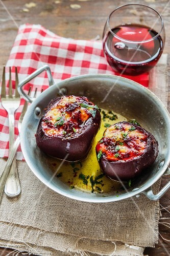 Beetroot filled with goat's cheese