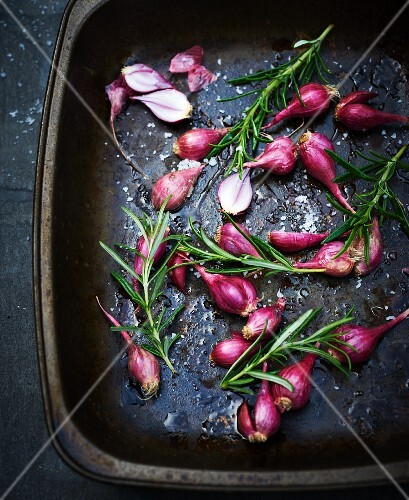 Roasted shallots with rosemary