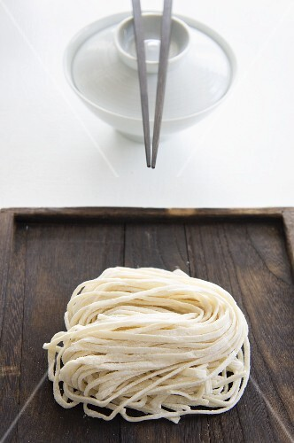 Soba noodles and an eating bowl with chopsticks (Japan)