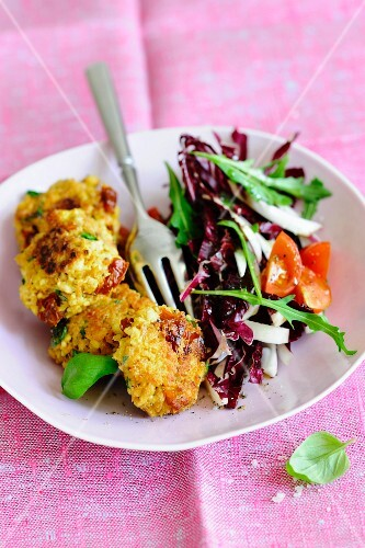 Tofu fritters with red endive salad