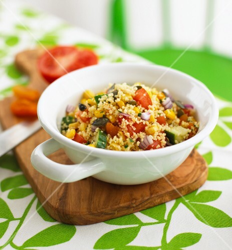 Couscous with colourful vegetables