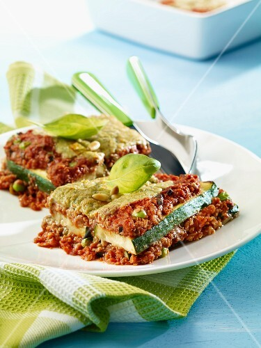 Courgette and olive lasagne with minced meat