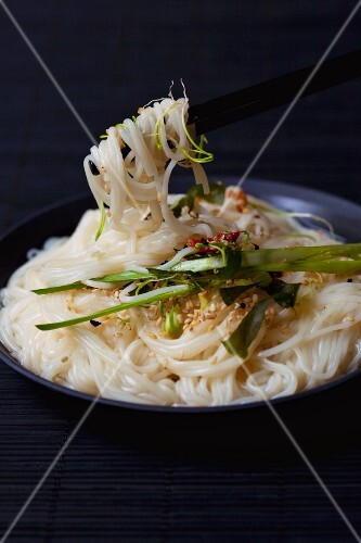 Soba noodles with spring onions and sesame seeds (Asia)
