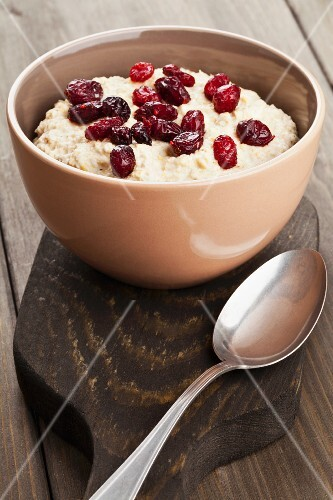 Porridge with dried cranberries