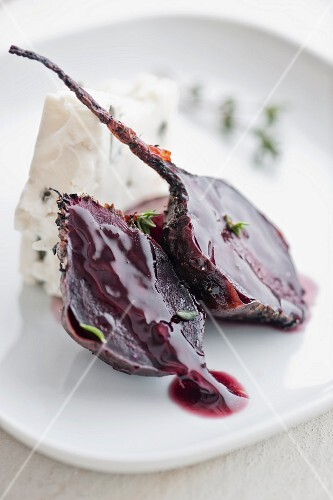 Grilled beetroot with Gorgonzola and thyme