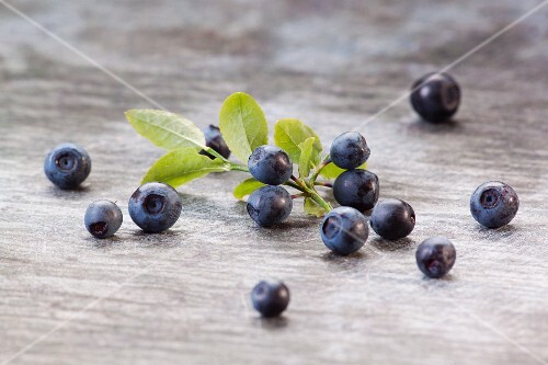 Fresh blueberries on a wooden surface