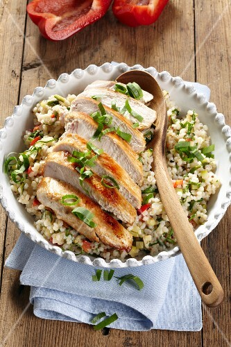 Pearl barley salad with wild garlic and chicken breast