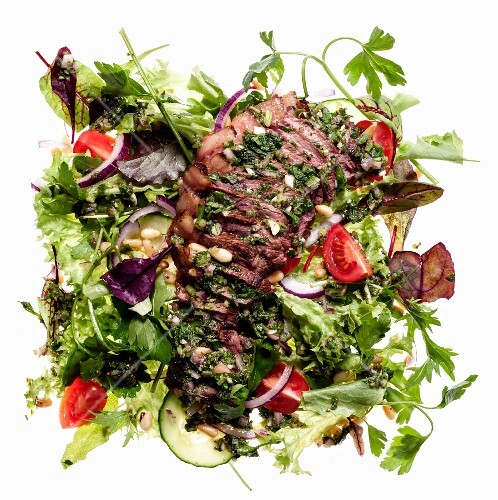 Mixed leaf salad with picanha steak and chimichurri sauce