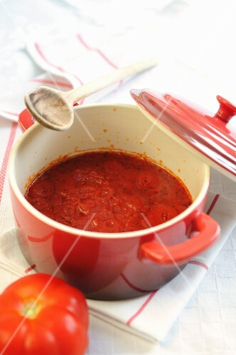Fresh home-made tomato sauce