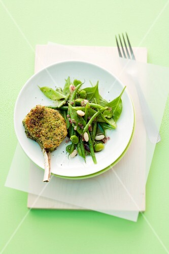 Breaded lamb chops with bean salad