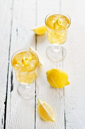 Lemon drinks with ice cubes