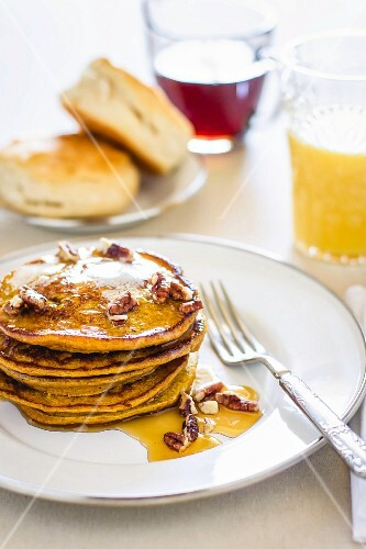 Pancakes with nuts and honey