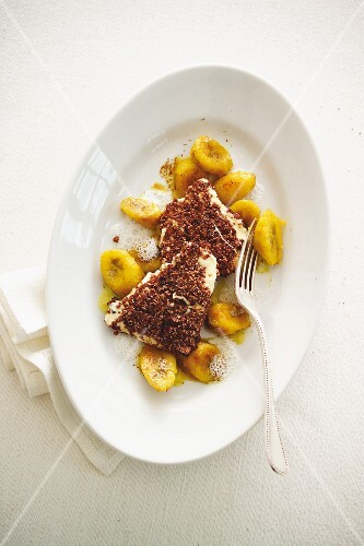 Chocolate escalope with curried banana