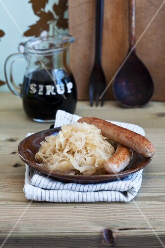 Sauerkraut with sugar beet syrup and sausages