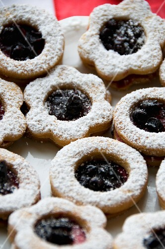 Christmas biscuits with blackberry jam