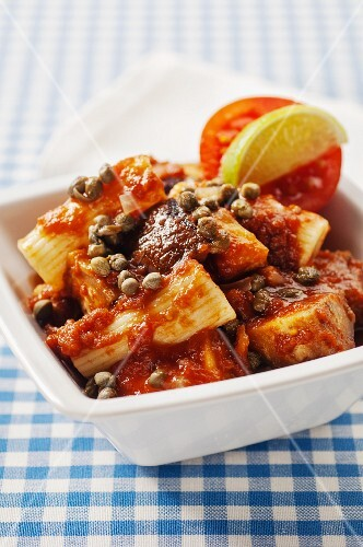Rigatoni with fried aubergines, capers and tomato sauce