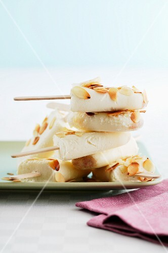 Cardamom ice cream sticks with slivered almonds