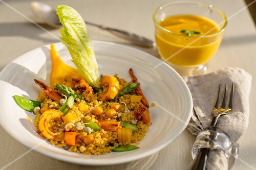 Curried rice with chickpeas and vegetables (India)