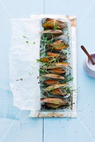 Baked green shell mussels