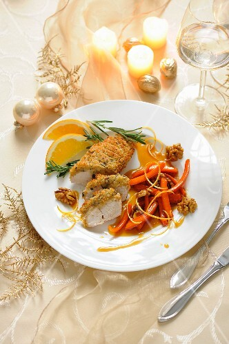 Turkey fillet with a herb crust, carrots and orange sauce (Christmas)