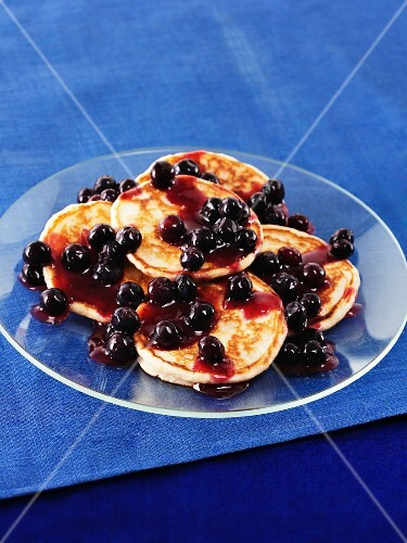 Pancakes with blueberries and Scotch