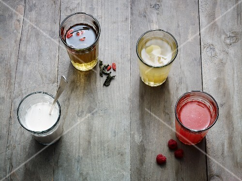 Various detox diet drinks