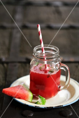 Watermelon juice with fresh mint
