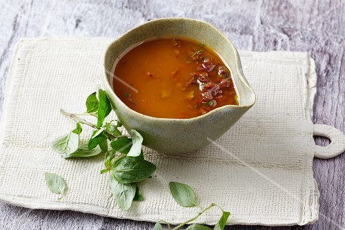 Tomato dressing with basil