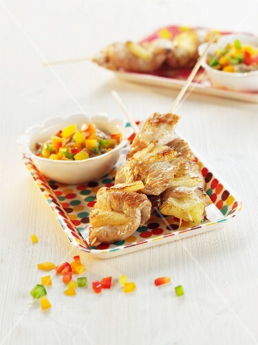 Turkey satay skewers with pineapple and pepper sauce