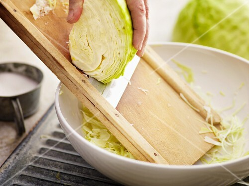 Slicing white cabbage