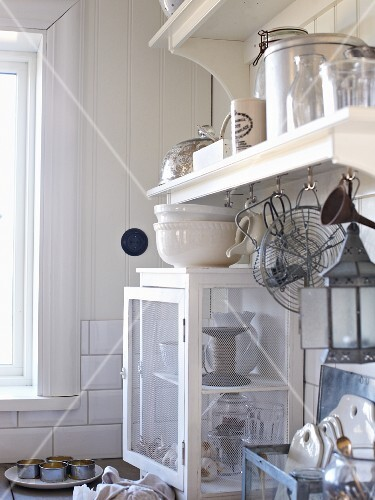 White vintage kitchen (detail)