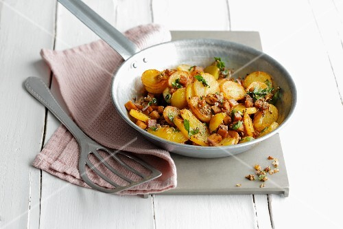 Fried potatoes in a pan
