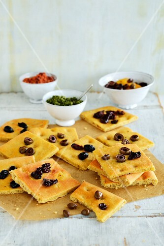 Unleavened bread with olives