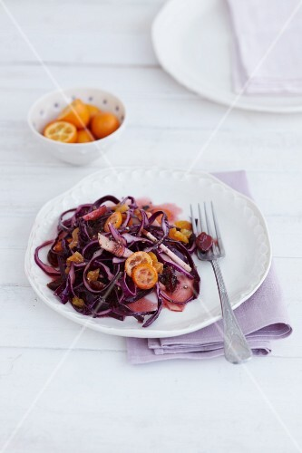 Red cabbage salad with kumquats